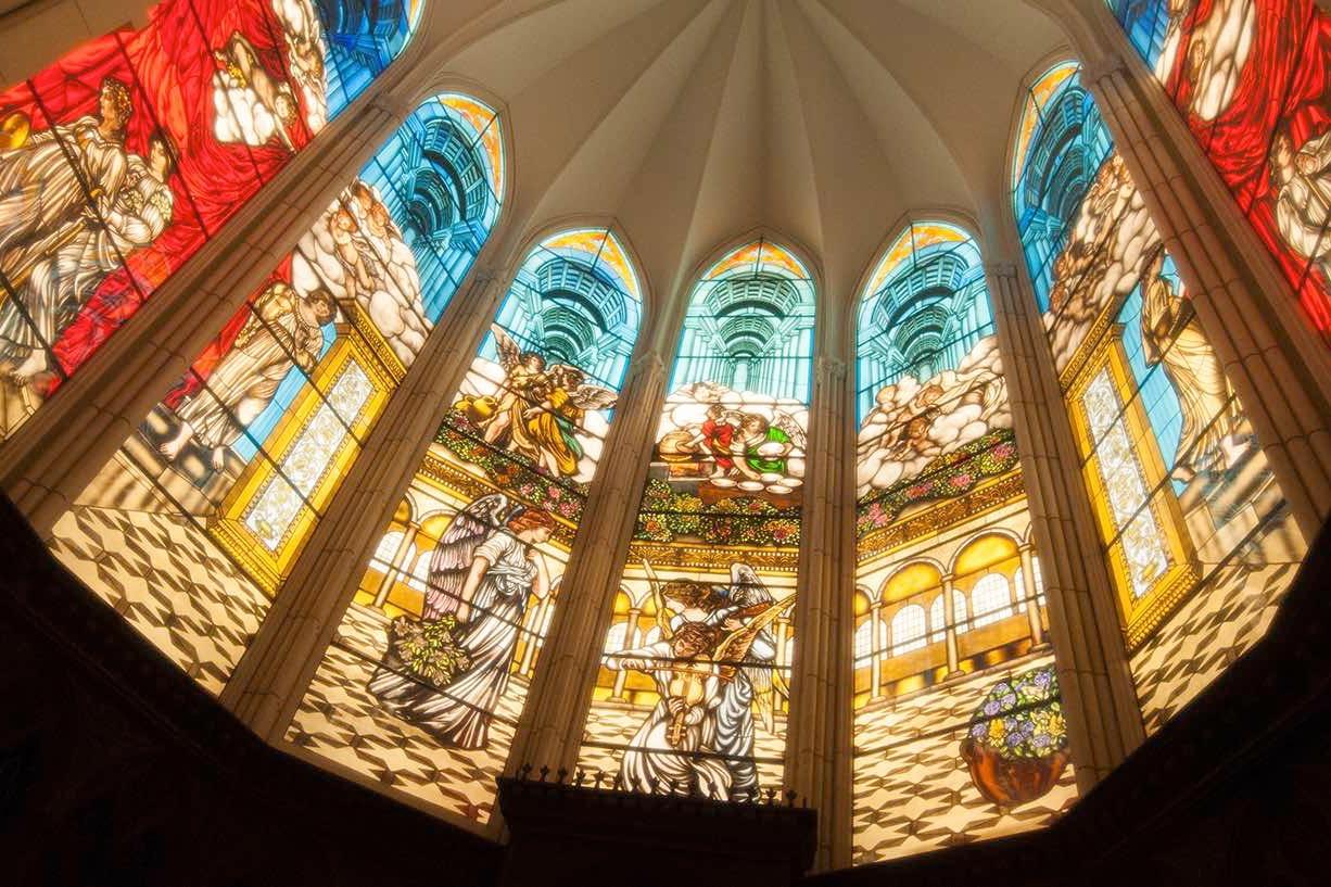 関東最大級のステンドグラス煌めく大聖堂